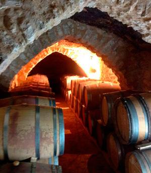 Bodega subterranéa Kirios de Adrada