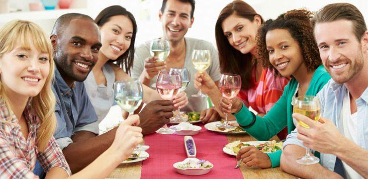 Cómo organizar una cata en tu casa con los amigos