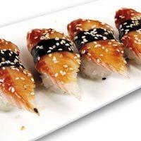 Plato nigiri sushi
