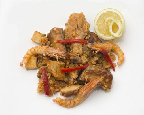 Arroz con pollo, cerdo y langostinos