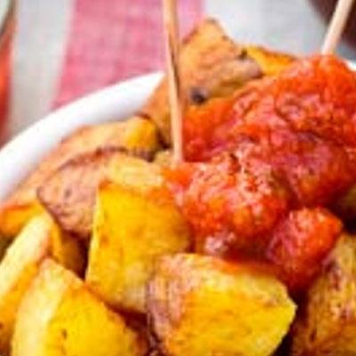 Patatas bravas  y patatas alioli